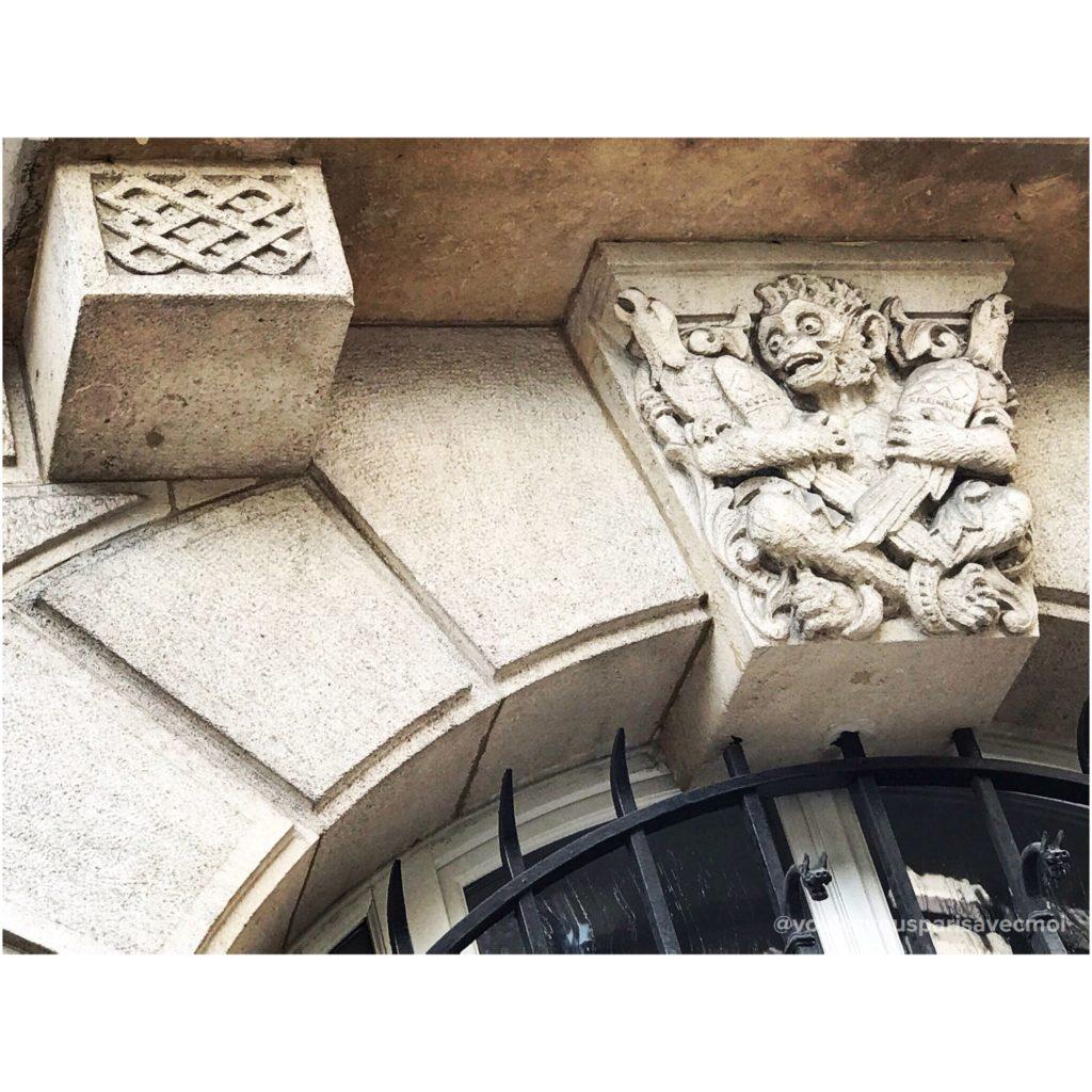 Immeuble de 1890 dessiné par F.Delmas, Rue de la Faisanderie, dans 16ème arrondissement de Paris.
