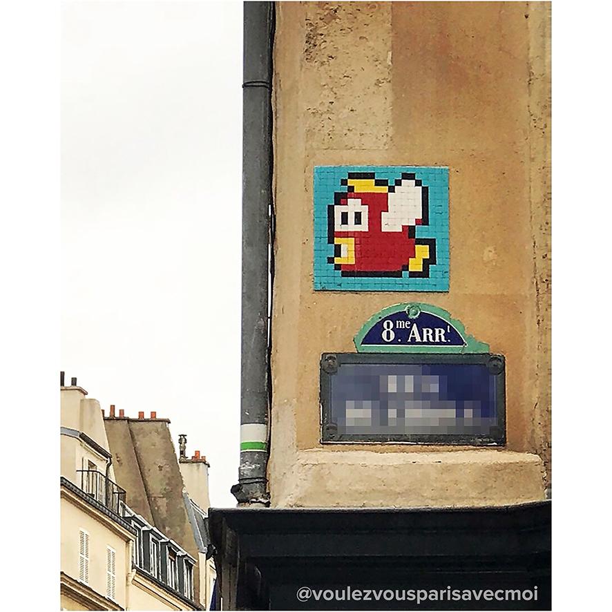 PA_1074. Créé et posé par Invader en 2013. 20pts avec le jeu FlashInvaders. Photo : Compte Instagram @voulezvousparisavecmoi